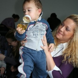 Stehe als Babysitter in 85399 Hallbergmoos zur Verfügung.