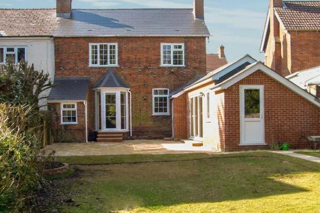 1 holiday cottages in andover hampshire for Family cottages