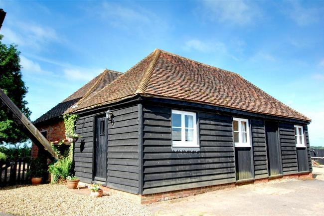 The Tack Room Holiday Cottage in Curtisden Green, Kent