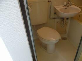HOX10 301号室のトイレ