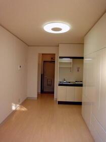 グランジャ横浜 203号室のベッドルーム