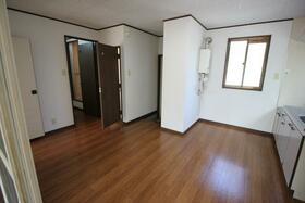 シャルム田中 101号室の玄関