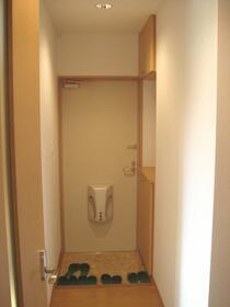 USマンション 201号室の玄関