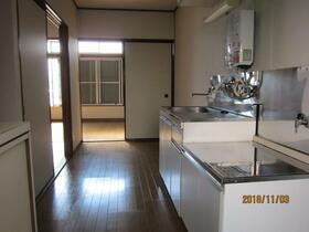 若林荘 102号室のキッチン