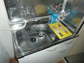 ミサハイツ 2D号室のキッチン