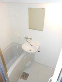 マンションオアシス 302号室の風呂