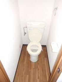 マンションオアシス 302号室のトイレ