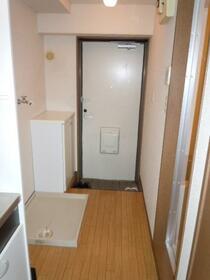 マンションオアシス 302号室の玄関