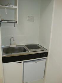 グローリア菊名 104号室のキッチン