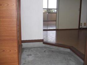 聚秀館 201号室の玄関