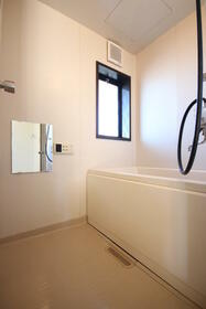 ハイツ634 B棟 202号室の風呂