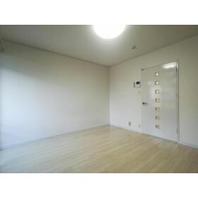 ヴィラミツキⅤ 102号室の玄関
