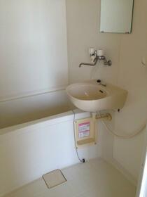 サーフサイドヒルズ九十九里 201号室の洗面所