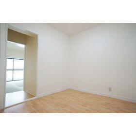グリーンハイツ伍番館 303号室の居室