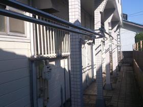 ベルモント保土ヶ谷 207号室のバルコニー