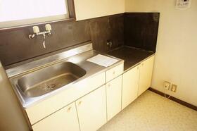 BM 202号室のキッチン