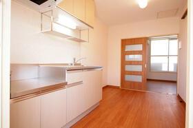 メゾンプワール 201号室のキッチン