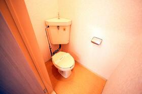 メゾンプワール 201号室のトイレ