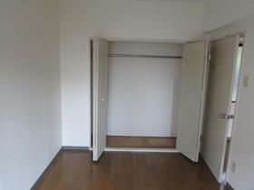 メゾン・ドゥ・ラポート羽村Ⅱ 203号室の収納
