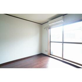 レガーロ横濱 302号室のバルコニー