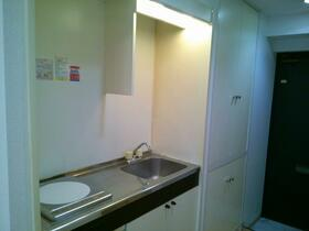 マイキャッスル南太田 402号室のキッチン