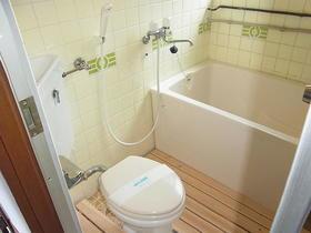 新井荘 201号室のトイレ