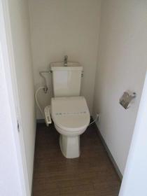 ハイムヤスイ一番館 102号室のトイレ