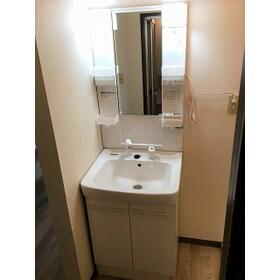 コージコート 205号室の洗面所