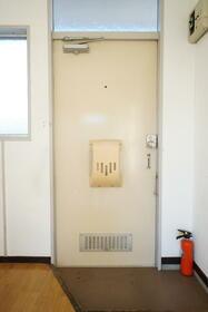 辻コーポ 201号室の玄関