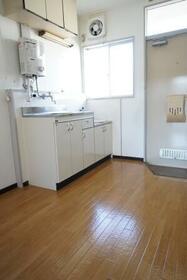 辻コーポ 201号室のキッチン