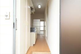 カーサK2 B棟 205号室の玄関