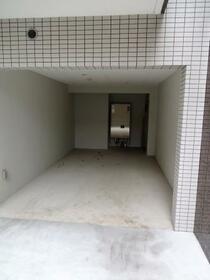 LUMEED飯田橋 207号室の駐車場