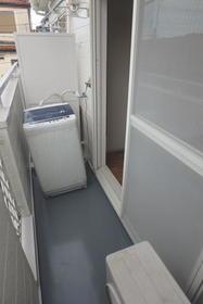 フルート元町 202号室のバルコニー