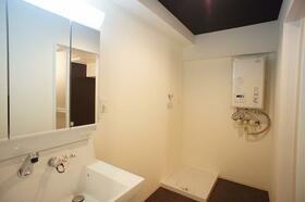 高崎セントラルハイツ 618号室の洗面所