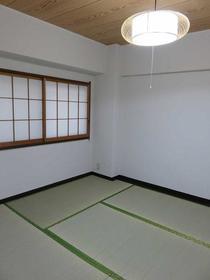 横浜森町分譲共同ビル 1106号室の居室