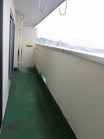 横浜森町分譲共同ビル 1106号室のバルコニー