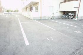 銀星ハイツA棟 102号室の駐車場