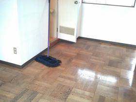 シルバープラザビル 504号室のリビング
