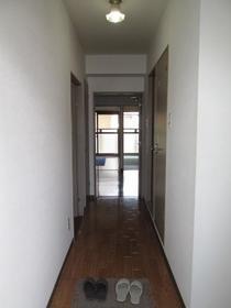 アスティーロイヤル 403号室の玄関