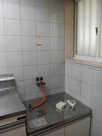 U HEIGHTS No.1(ユーハイツ) 102 102号室のキッチン