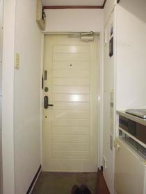 藤栄ハイツ 202号室の玄関