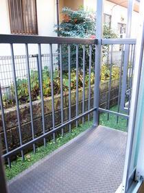 太陽ガーデン108棟 102号室のバルコニー