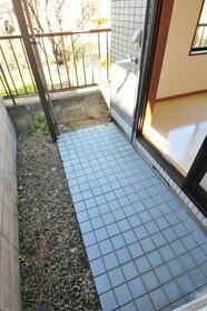 サンヒルズ赤塚 0105号室の庭