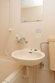 サンヒルズ赤塚 0105号室の洗面所