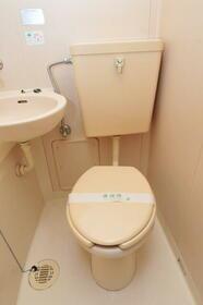 サンヒルズ赤塚 0105号室のトイレ
