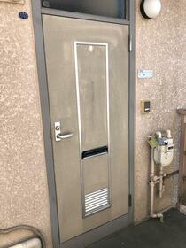 シティハイム アーバンハウスA 202号室の玄関