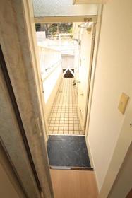 アビタシオンM堀ノ内 C棟 202号室のエントランス