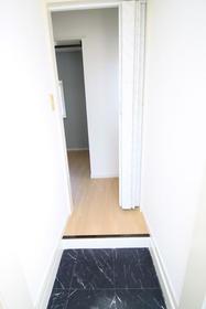 アビタシオンM堀ノ内 C棟 202号室の玄関