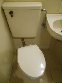 マ・メゾン津田沼 0103号室のトイレ