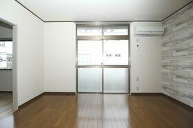 波奈コーポ 202号室のリビング